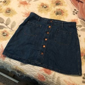 Size 32 woman's high rise, button up jean skirt